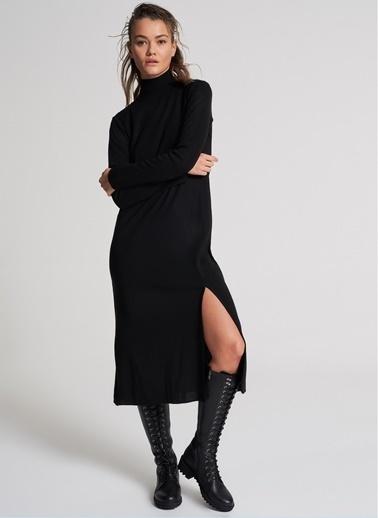 Pi π Yırtmaç Detaylı Triko Elbise Siyah